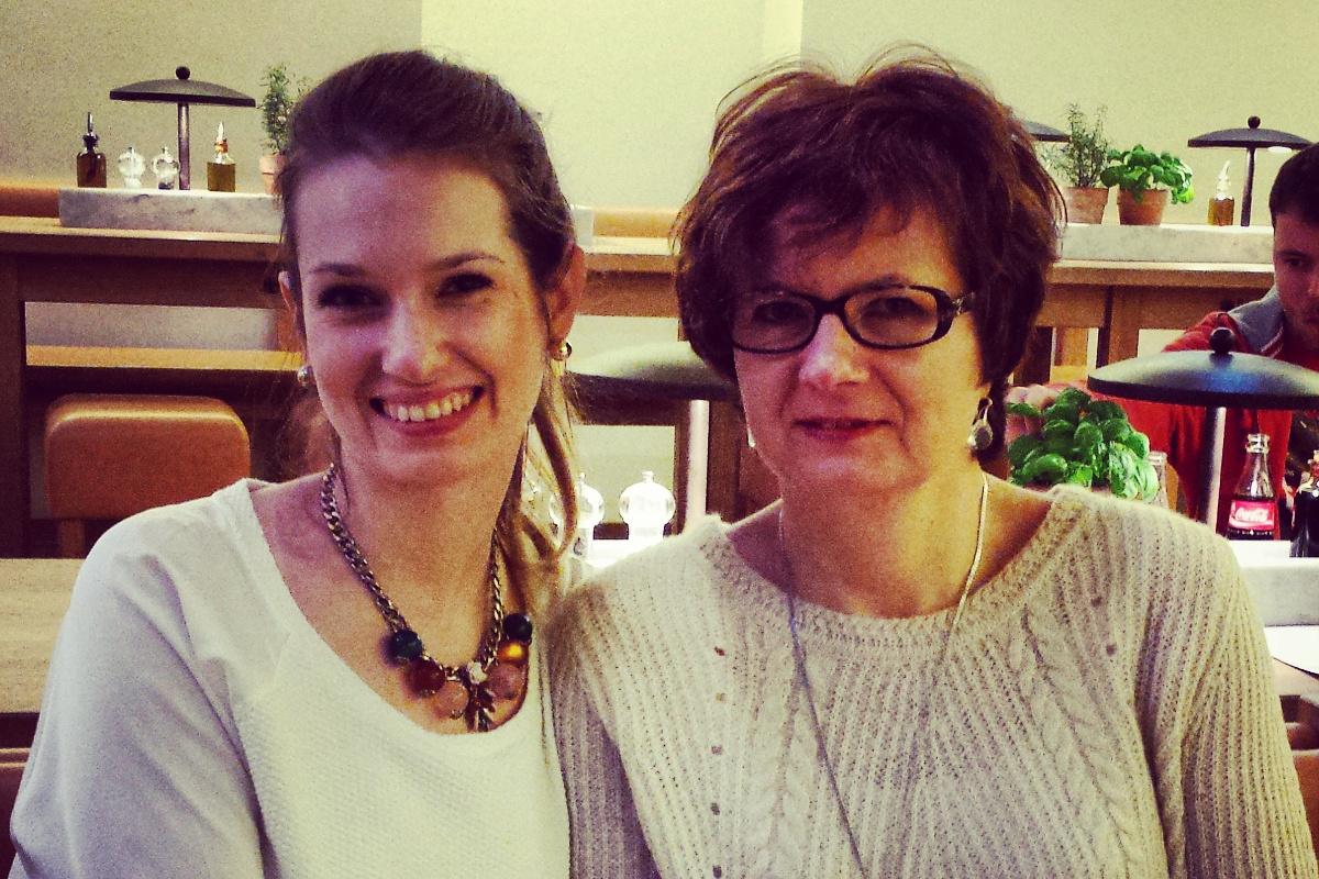 Młoda mama i jej mama, czyli o trudzie relacji między dwoma dojrzałymi kobietami.